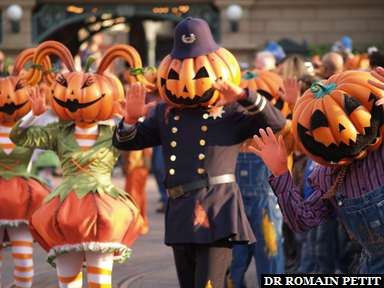 Album photos La parade d'ouverture d'Halloween par Romain Petit